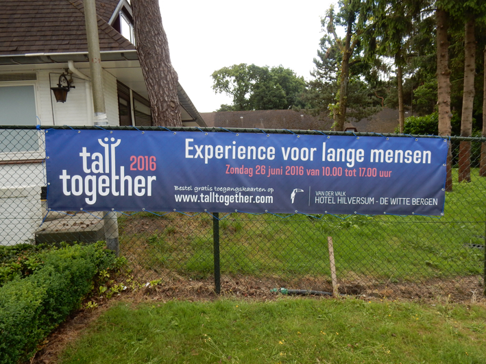 Tall Together spandoek